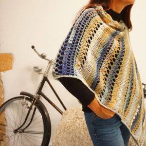 Un Poncho avec un petit côté péruvien pour cet hiver tout en douceur